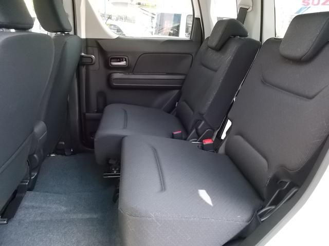 後席シートは左右独立してスライド出来るので、後部座席と荷室のスペースを効率よく使用できます☆