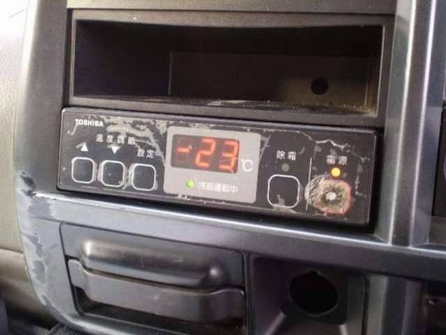 低温冷凍車 パワーゲート 跳上4t(8枚目)