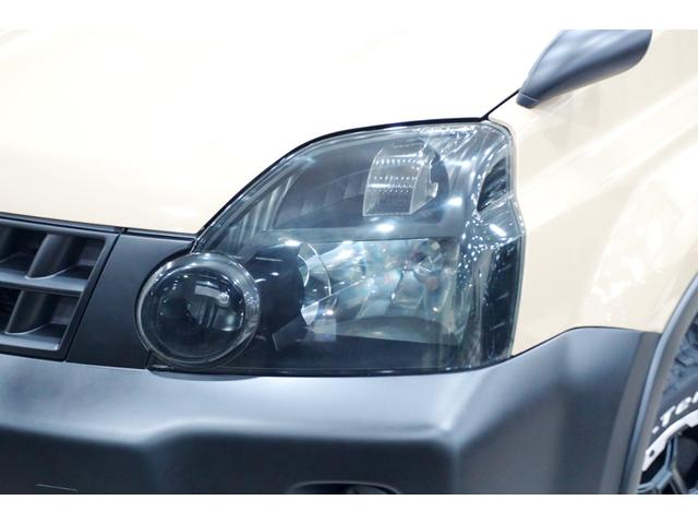 20S 特別延長保証付車 新品16AW 4WD リフトアップ グリル・バイザー艶消しブラック塗装 新品ナビ ホワイトレター入オフロードタイヤ(5枚目)