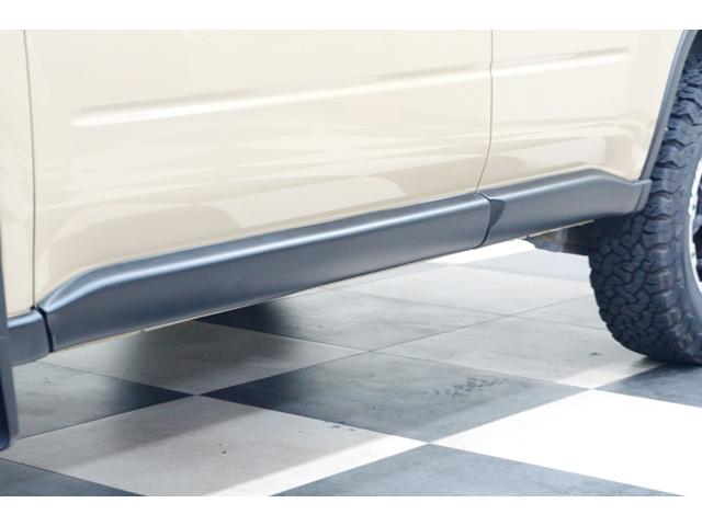 20S 特別延長保証付車 新品16AW 4WD リフトアップ グリル・バイザー艶消しブラック塗装 新品ナビ ホワイトレター入オフロードタイヤ(8枚目)