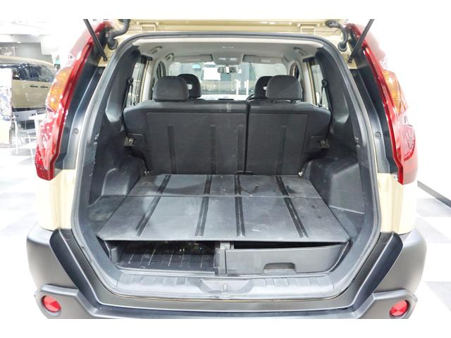 20S 特別延長保証付車 新品16AW 4WD リフトアップ グリル・バイザー艶消しブラック塗装 新品ナビ ホワイトレター入オフロードタイヤ(18枚目)