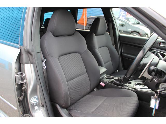 運転席も使用感が少なく、綺麗なシート状態です!!ご不明点やご来店のお際は是非お電話でご連絡下さい!無料電話番号は0066-9700-7864
