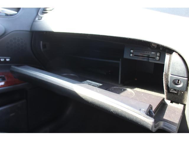 グローブボックス内も汚れや大きなキズもありません!使用状態の良い車のみ在庫しております!☆無料お問い合わせ0066-9711-048661☆