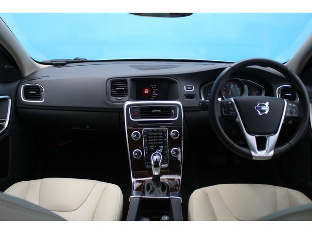 クロスカントリー T5 AWD SE 禁煙車/レザーPKG(革シート/パワーシート助手席/シートヒーター地デジTV)サンルーフ(オプション装備)ターボ/4WD/アイドリングストップ/ルーフレール/衝突軽減システム/レーンアシスト/(8枚目)