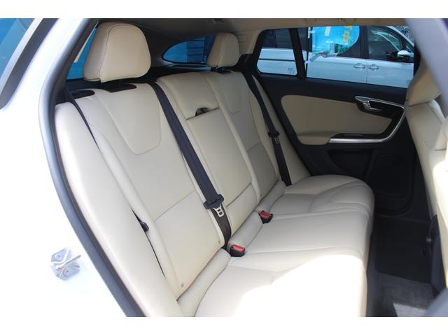 クロスカントリー T5 AWD SE 禁煙車/レザーPKG(革シート/パワーシート助手席/シートヒーター地デジTV)サンルーフ(オプション装備)ターボ/4WD/アイドリングストップ/ルーフレール/衝突軽減システム/レーンアシスト/(10枚目)
