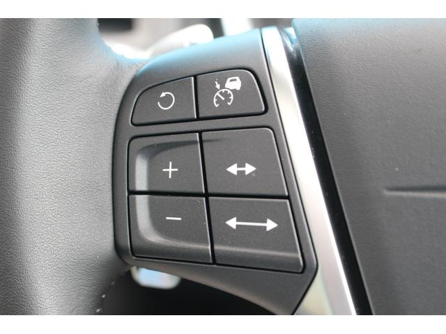 クロスカントリー T5 AWD SE 禁煙車/レザーPKG(革シート/パワーシート助手席/シートヒーター地デジTV)サンルーフ(オプション装備)ターボ/4WD/アイドリングストップ/ルーフレール/衝突軽減システム/レーンアシスト/(18枚目)