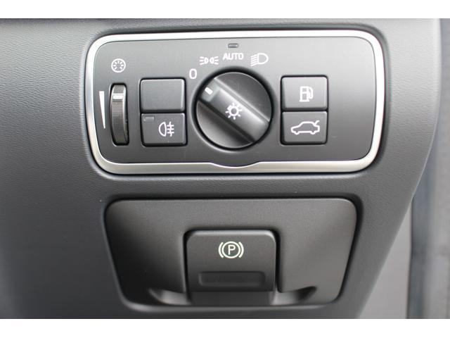 クロスカントリー T5 AWD SE 禁煙車/レザーPKG(革シート/パワーシート助手席/シートヒーター地デジTV)サンルーフ(オプション装備)ターボ/4WD/アイドリングストップ/ルーフレール/衝突軽減システム/レーンアシスト/(26枚目)