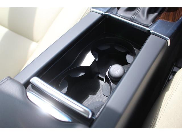 クロスカントリー T5 AWD SE 禁煙車/レザーPKG(革シート/パワーシート助手席/シートヒーター地デジTV)サンルーフ(オプション装備)ターボ/4WD/アイドリングストップ/ルーフレール/衝突軽減システム/レーンアシスト/(31枚目)