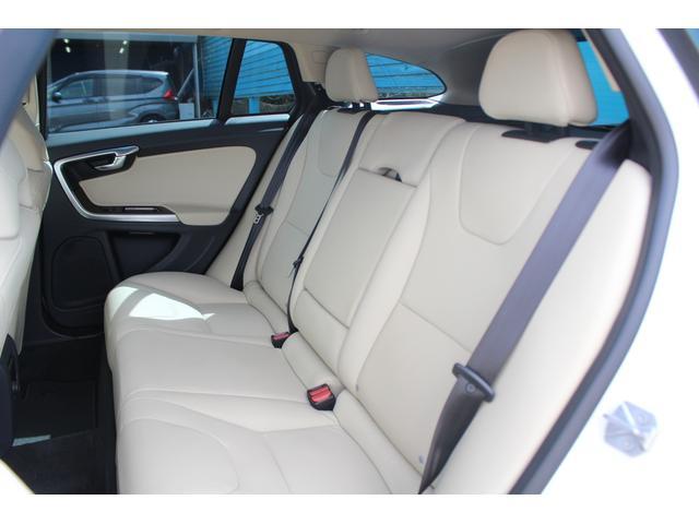 クロスカントリー T5 AWD SE 禁煙車/レザーPKG(革シート/パワーシート助手席/シートヒーター地デジTV)サンルーフ(オプション装備)ターボ/4WD/アイドリングストップ/ルーフレール/衝突軽減システム/レーンアシスト/(52枚目)