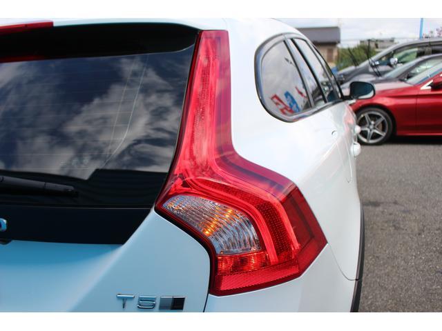 クロスカントリー T5 AWD SE 禁煙車/レザーPKG(革シート/パワーシート助手席/シートヒーター地デジTV)サンルーフ(オプション装備)ターボ/4WD/アイドリングストップ/ルーフレール/衝突軽減システム/レーンアシスト/(76枚目)