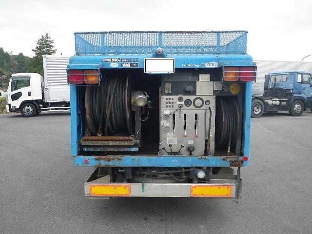 モリタ製 高圧洗浄車(3枚目)