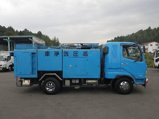 モリタ製 高圧洗浄車(4枚目)