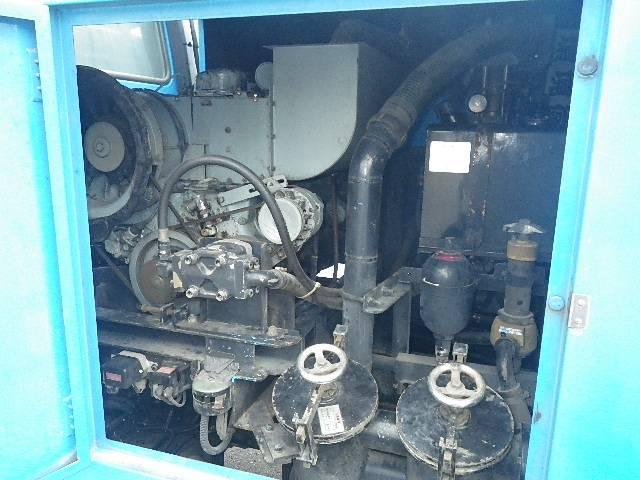 モリタ製 高圧洗浄車(6枚目)