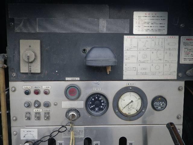 モリタ製 高圧洗浄車(9枚目)