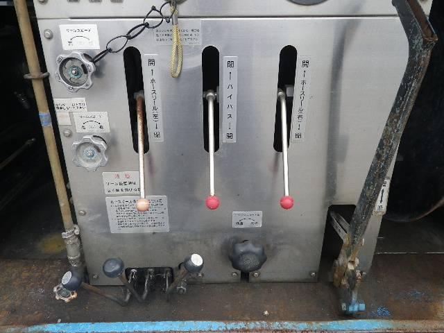 モリタ製 高圧洗浄車(10枚目)