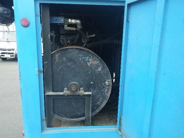 モリタ製 高圧洗浄車(11枚目)