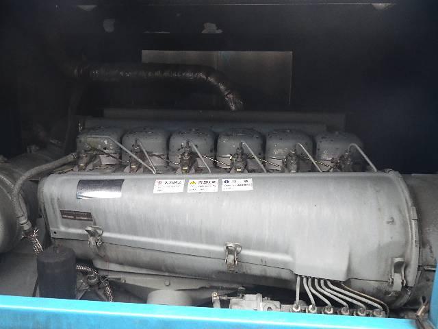 モリタ製 高圧洗浄車(13枚目)
