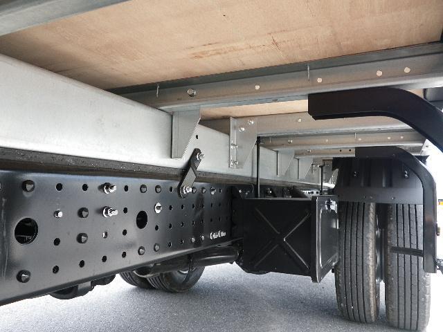 三菱ふそう キャンター 標準幅 ロング 全低床 積載3トン アルミバン 未使用車