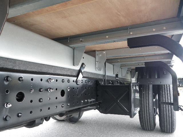 三菱ふそう キャンター 標準幅ロング 全低床 積載2トン アルミバン