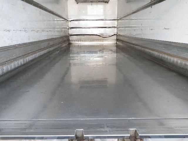 冷蔵冷凍車 マルチリフト 増トン 積載7.2トン(16枚目)