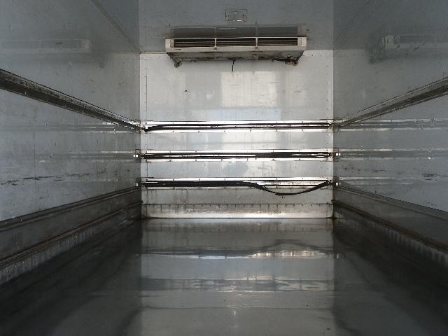 冷蔵冷凍車 マルチリフト 増トン 積載7.2トン(18枚目)
