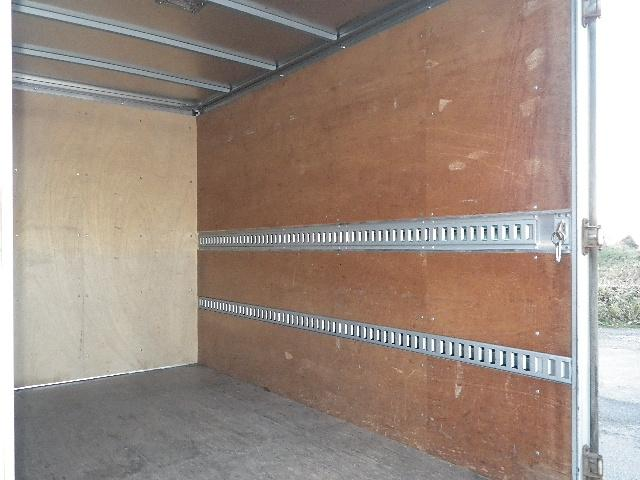 アルミバン 全低床 積載2トン 車両総重量4665Kg(16枚目)