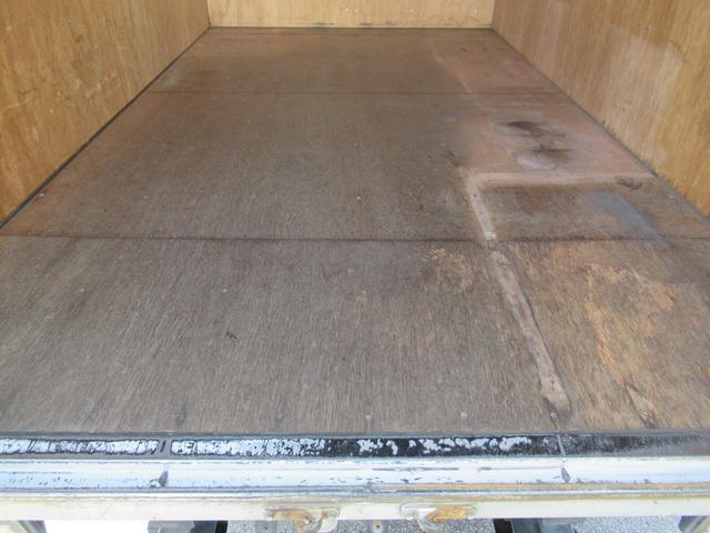アルミバン 全低床 積載1.5トン 元クリーニング屋さん仕様(19枚目)