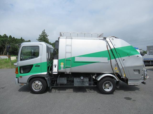 極東製 塵芥車 容積8.0M3 プレス式 汚水タンク(4枚目)