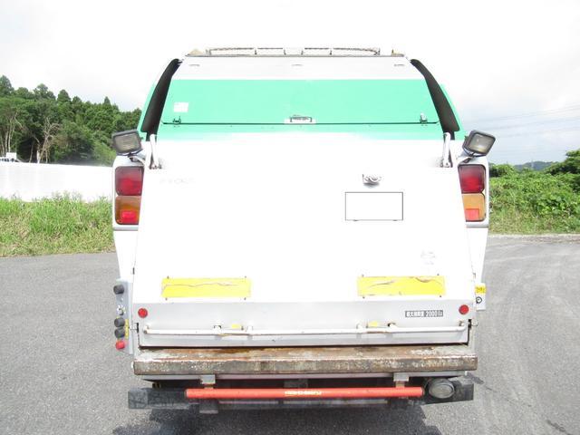 極東製 塵芥車 容積8.0M3 プレス式 汚水タンク(5枚目)