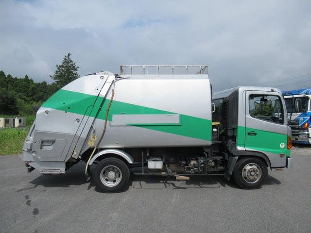 極東製 塵芥車 容積8.0M3 プレス式 汚水タンク(6枚目)