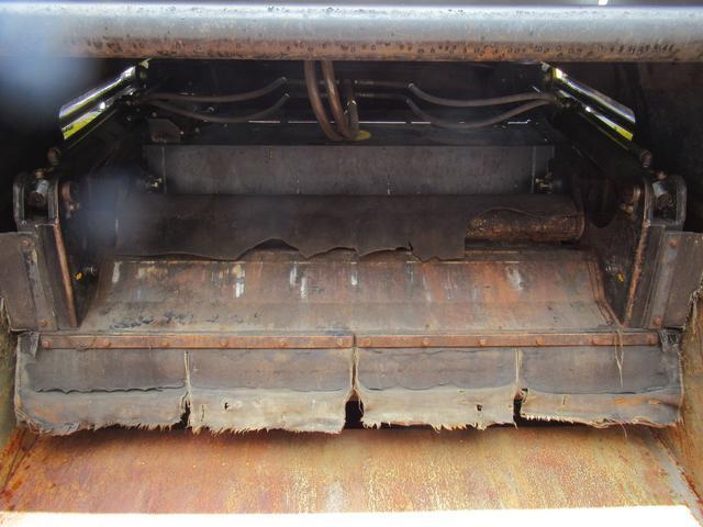 極東製 塵芥車 容積8.0M3 プレス式 汚水タンク(17枚目)