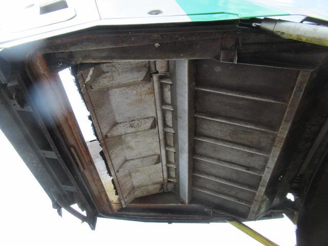 極東製 塵芥車 容積8.0M3 プレス式 汚水タンク(20枚目)