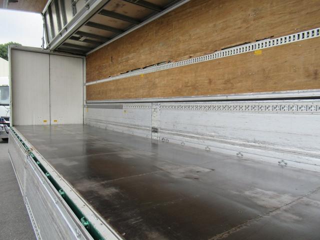 アルミウイング 低床4軸 リヤエアサス 積載13.5トン(13枚目)