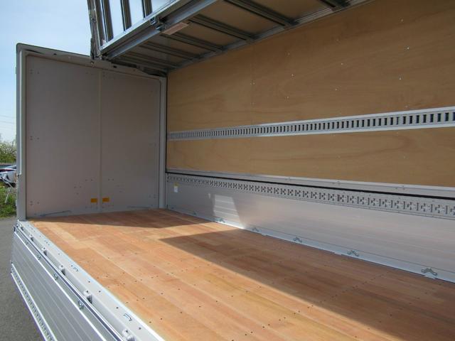 アルミウイング 超ロング ワイド幅 全低床 積載3トン(14枚目)