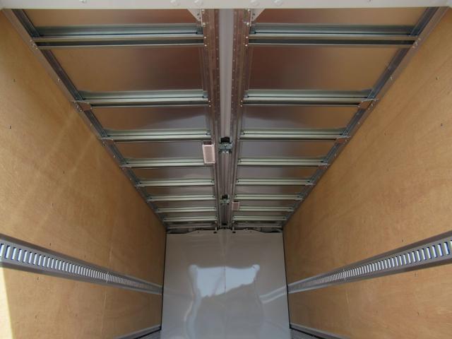 アルミウイング 超ロング ワイド幅 全低床 積載3トン(18枚目)