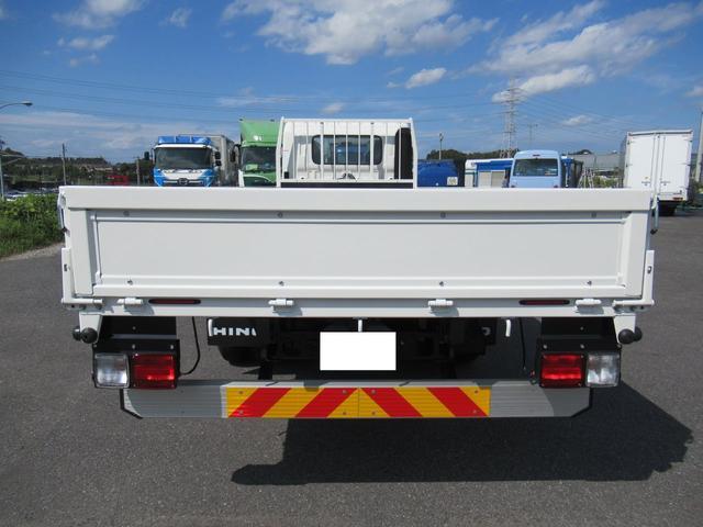 標準幅 ベッド付キャビン 平ボデー 積載3.75トン(5枚目)