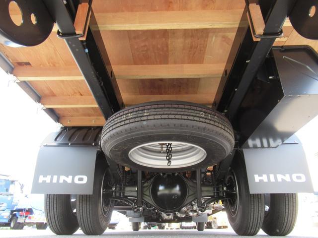 標準幅 ベッド付キャビン 平ボデー 積載3.75トン(9枚目)