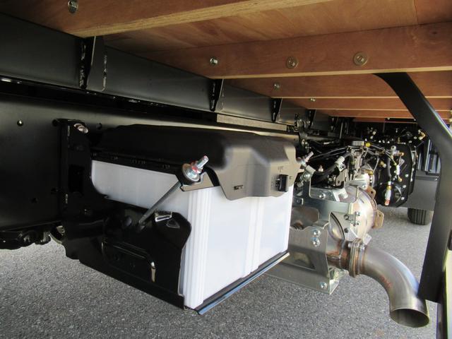 標準幅 ベッド付キャビン 平ボデー 積載3.75トン(12枚目)