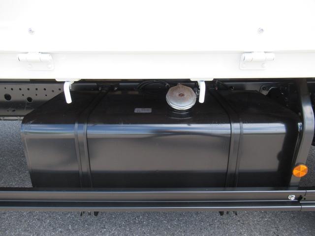 標準幅 ベッド付キャビン 平ボデー 積載3.75トン(14枚目)
