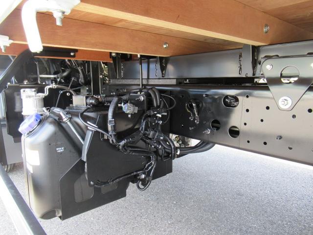 標準幅 ベッド付キャビン 平ボデー 積載3.75トン(15枚目)