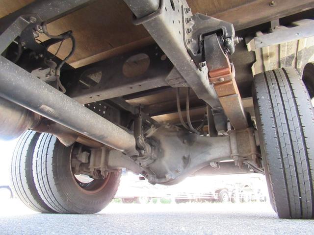 ワイド幅   超ロング   2重煽り   マルチゲート付平ボデー  タイヤサイズ 205/75R16  床鉄板張り  煽り開閉補助装置1対  新明和製  鉄製  マルチゲート(42枚目)