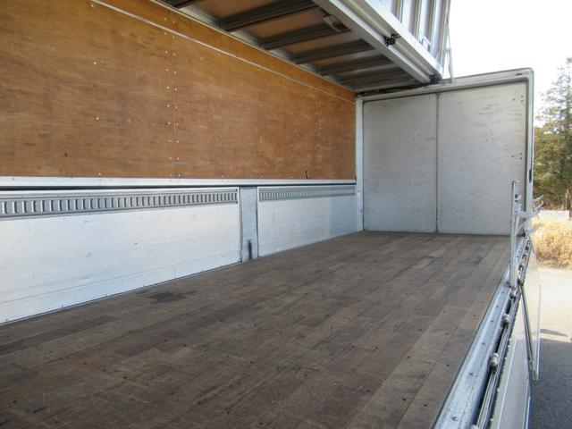 標準幅   ベッドレスキャビン   アルミウイング   床木製   センタービームレス   ラッシング1段   中柱抜差し式   庫内灯3箇所(34枚目)
