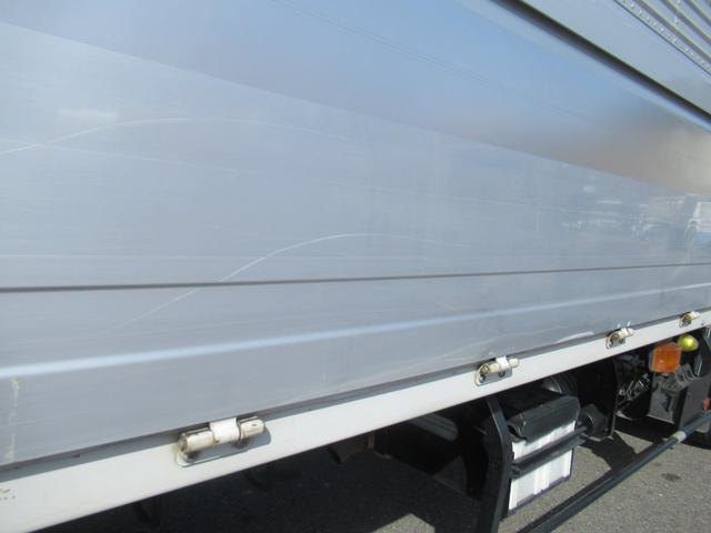 標準幅   ベッドレスキャビン   アルミウイング   床木製   センタービームレス   ラッシング1段   中柱抜差し式   庫内灯3箇所(45枚目)