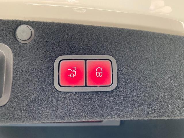 「その他」「Sクラス」「セダン」「千葉県」の中古車28
