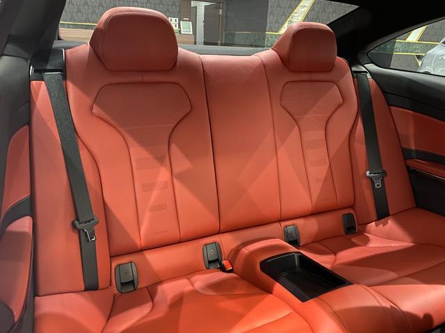 M4クーペ 6速MT 禁煙 赤革ヒーター フルセグTV ナビ Bカメラ 障害物センサー インテリジェントセーフティ LEDヘッドライト ヘッドアップディスプレイ 19インチオプションホイール(10枚目)