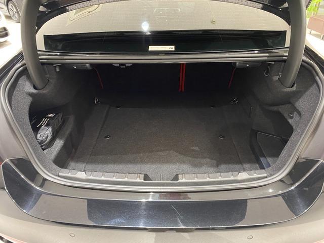 M4クーペ 6速MT 禁煙 赤革ヒーター フルセグTV ナビ Bカメラ 障害物センサー インテリジェントセーフティ LEDヘッドライト ヘッドアップディスプレイ 19インチオプションホイール(17枚目)