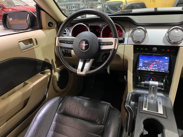 V6 プレミアム フォードジャパン正規ディーラー車/ALPINE HDDナビ/フルセグTV/HDD音楽/CD&DVD/バックカメラ/ETC/20inchアルミホイール/黒革シート/パワーシート/エレノア風エアロ(15枚目)