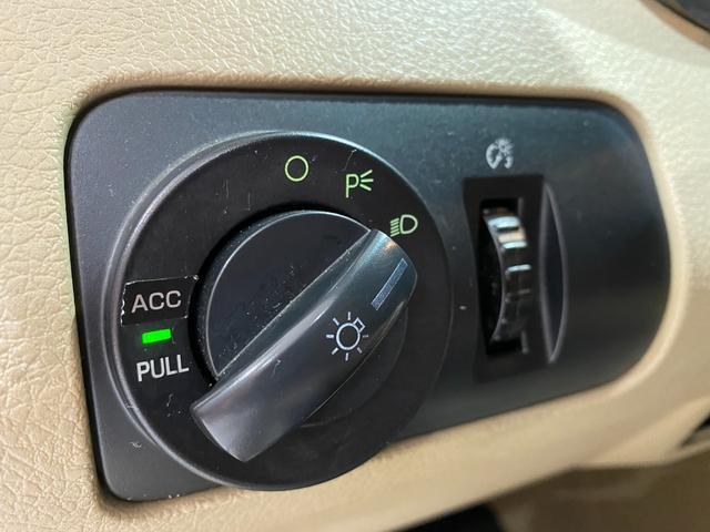 V6 プレミアム フォードジャパン正規ディーラー車/ALPINE HDDナビ/フルセグTV/HDD音楽/CD&DVD/バックカメラ/ETC/20inchアルミホイール/黒革シート/パワーシート/エレノア風エアロ(23枚目)