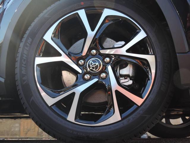 トヨタ C-HR G-T 黒本革 LEDヘッドランプ スマートキー ターボ