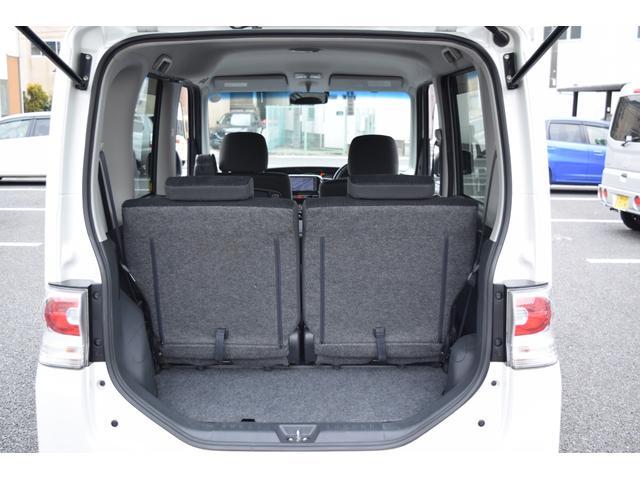 ★後席分割可倒式スライドシートで使い方色々♪荷物も十分積めます★